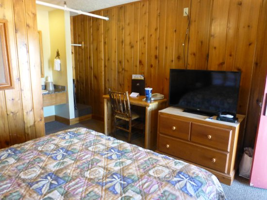 St Mary Lodge & Resort: Room