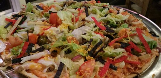 Versailles, MO: Taco Pizza
