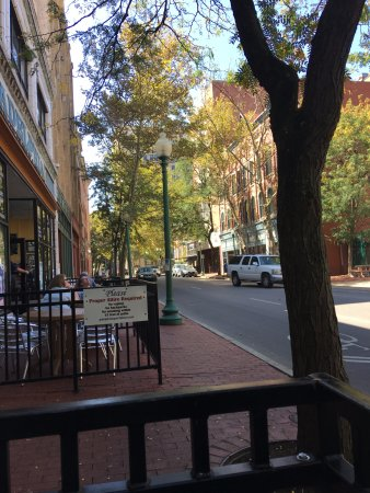 Charleston, Virginia Occidental: Pies & Pints