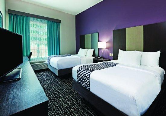 Claremore, OK: Guest Room