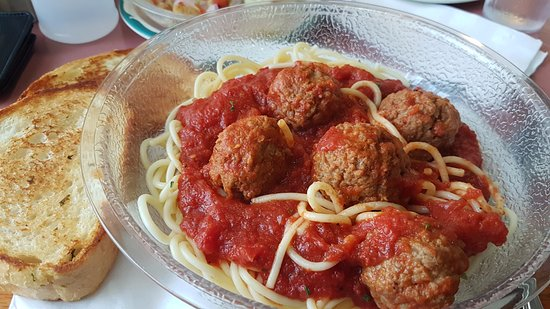 Fort Erie, Canadá: Spaghetti and meatballs at Green Acres