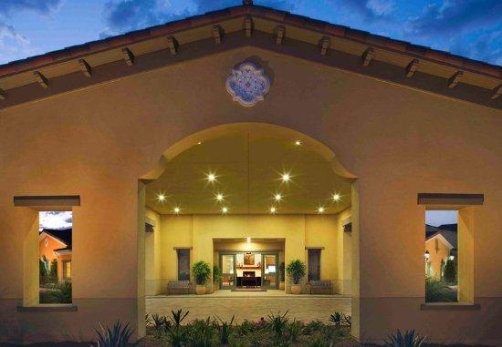 Goleta, CA: Porte Cochere