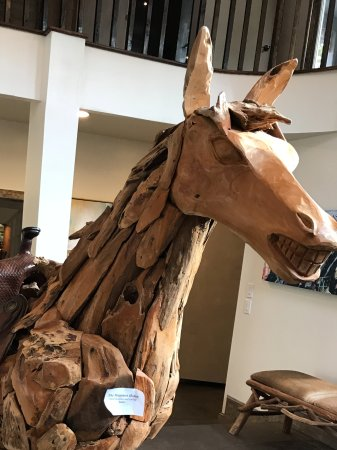 Banner Elk, NC: Wooden horse at entrance
