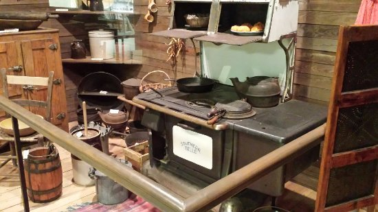Troy, Αλαμπάμα: Kitchen Implements - Pioneer Museum of Alabama