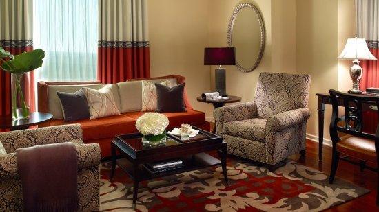 InterContinental Buckhead Atlanta Executive Suite Living Room