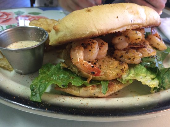 Wildwood, FL: Shrimp po boy is loaded with shrimp!