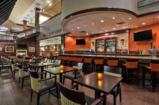 Addison, TX: After a long day, unwind at the Atrium Lounge
