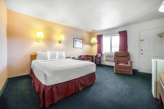 Whitehall, MT: Queen guest room