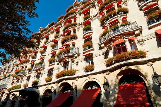 Hôtel Plaza Athénée: Hotel Plaza Athenee Facade HIGHRES