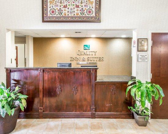 Thomasville, AL: Lobby