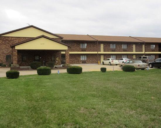 Farmington, MO: Exterior