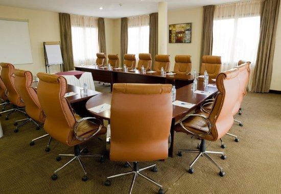 Protea Hotel by Marriott Kampala: Conference Room – U-Shape Setup