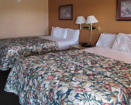 Brownsville, TN: Bedrooms
