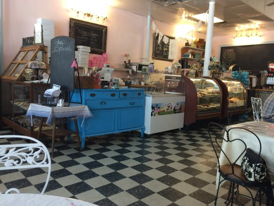 Wildwood, FL: The shop is a mix of styles that all work together
