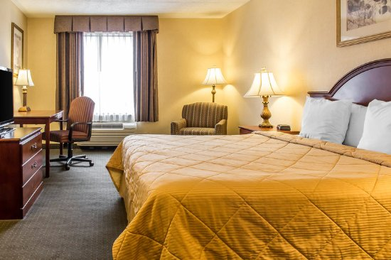 Hackettstown, NJ: Guest room