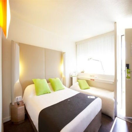 Bron, Francia: Double Room