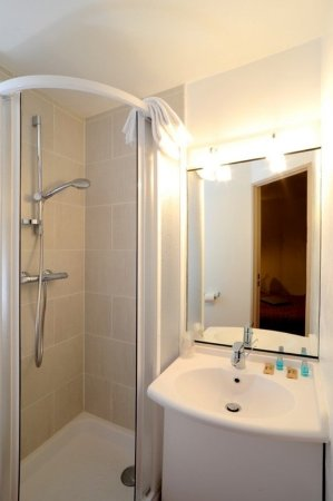 Chambray-Les-Tours, Fransa: Bathroom