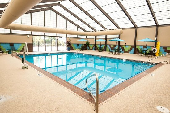 Earth City, Миссури: Swimming Pool