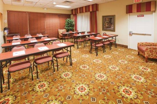 Holiday Inn Express Oklahoma City Airport - Meridian Avenue: Meeting Room