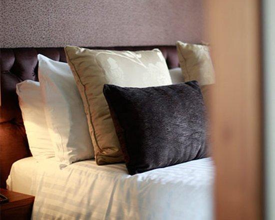 Clarkston, UK: Executive Bed