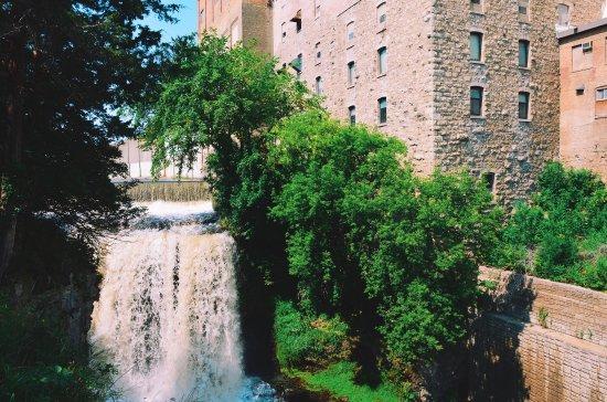 Vermillion Falls: photo2.jpg