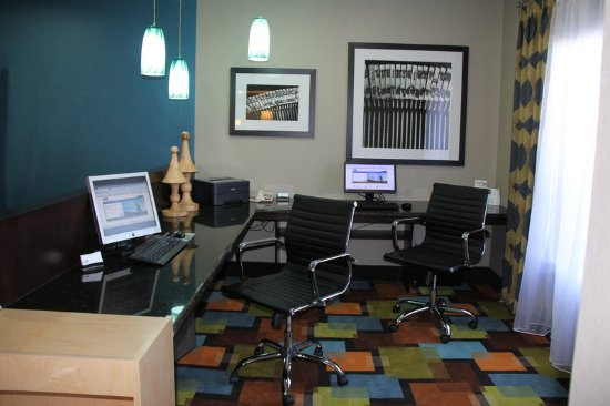Roanoke Rapids, Carolina do Norte: Our 24-hour business center will ensure that you stay connected!
