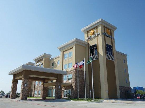 Kingsville, TX: ExteriorView