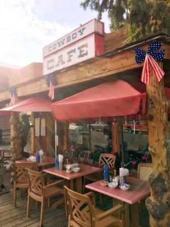 Dubois, WY: Cafe exterior