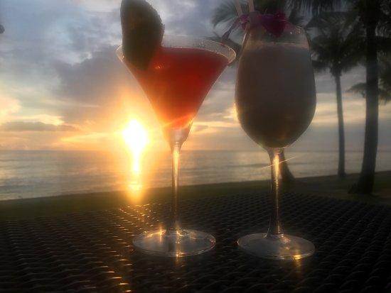 Chongfah Beach Resort : photo1.jpg