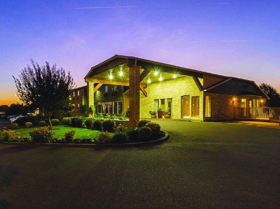 Woodburn, Oregón: ExteriorView