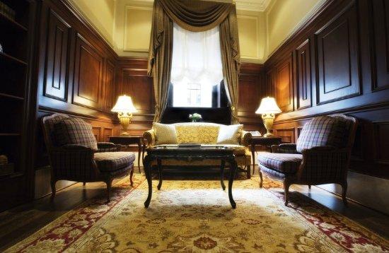 Hotel Le St-James: Suite Heritage Salon