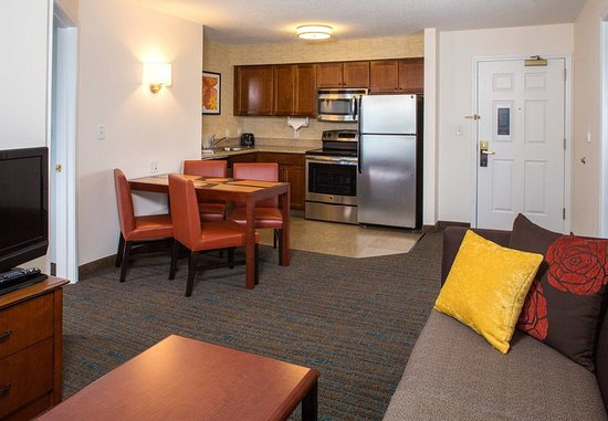 Hanover, MD: In-Suite Kitchen
