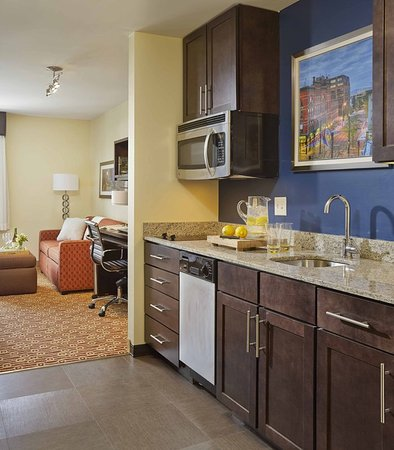 Williston, VT: Suite Kitchen
