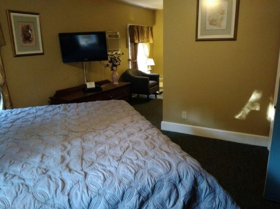 Pictou, Canada: Junior Suite with king bed