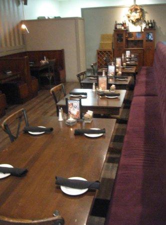 Great Evanu0027s Kitchen: Inside Seating