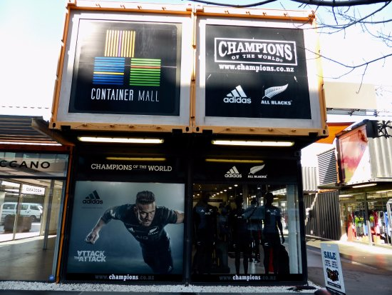Cashel Street: Shops