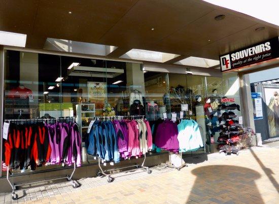 Cashel Street: Souvenir Shop