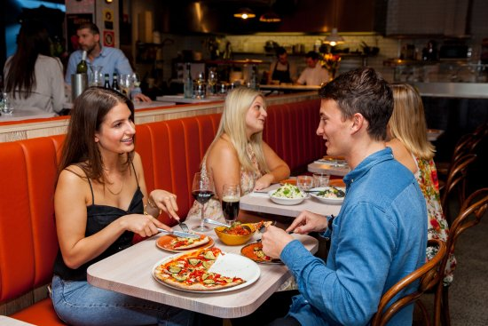 The Italian Bar Pizza: First date, Italian style