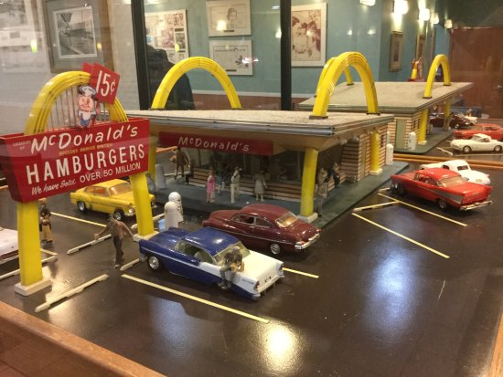 Model of Ray Kroc's first McDonald's in Des Plaines.
