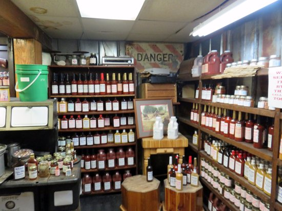 Monteagle, TN: BBQ sauces and more in this room