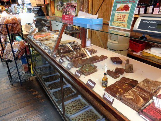 Monteagle, TN: fudge counter