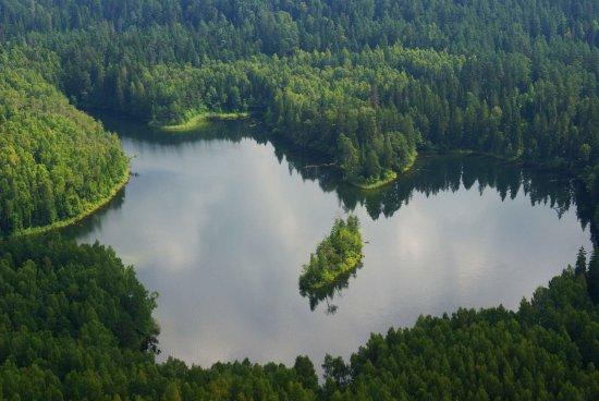 Нарочь, Беларусь: Озеро Глубелька, биосферный заповедник Голубые озёра.