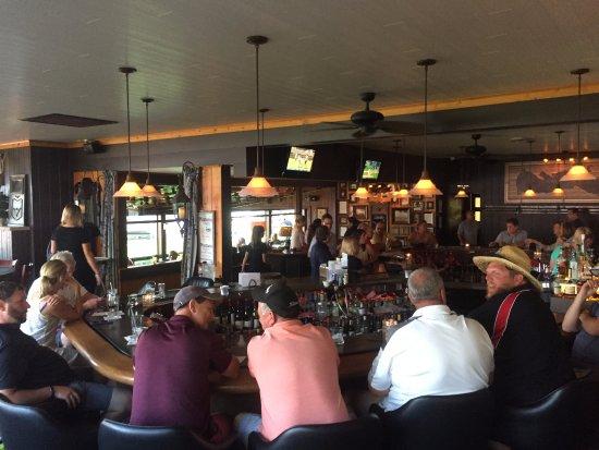 Green Lake, WI: bar area inside the restaurant