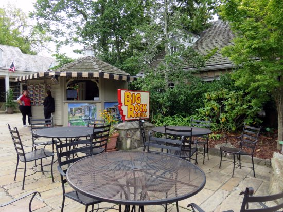 Lookout Mountain, เทนเนสซี: outdoor dining area