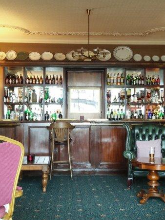 Walpole Bay Hotel: The Bar