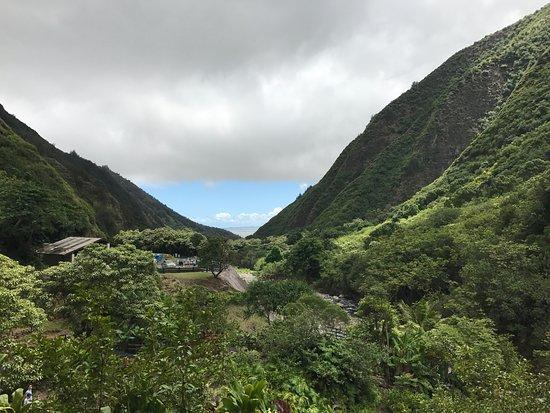 Wailuku, Hawái: Iao Valley - View zum Meer und Kahului