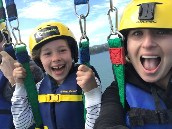 Had such a blast Parasailing today, it is a must do in Paihia! The skipper and crew were so safe