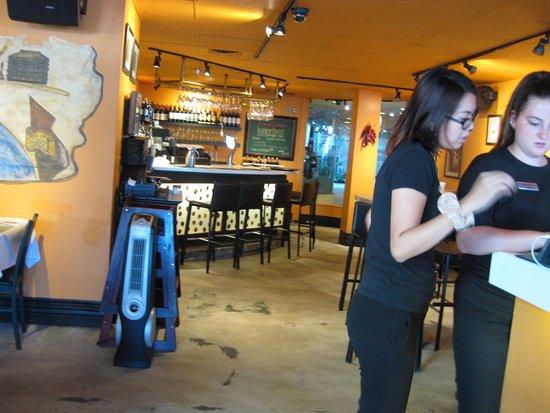 Arancino di Mare: レストランでは席を案内する人が一番偉いそうです…入口にて撮影