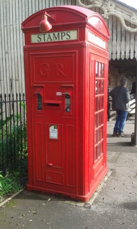 Shepton Mallet, UK: Combined telephone and post box. Still used