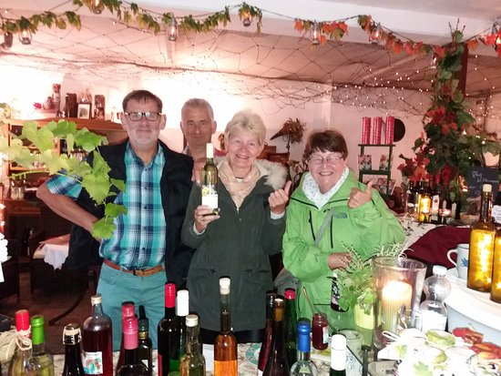 Traben-Trarbach, Jerman: De proeverij was een echt succes !!  Lekkere wijntjes  ...